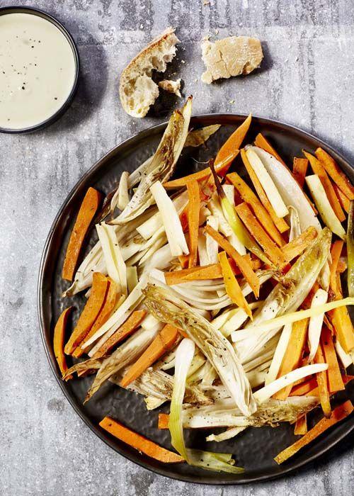 Kruidige groenteschotel met zoete aardappel en citroensaus