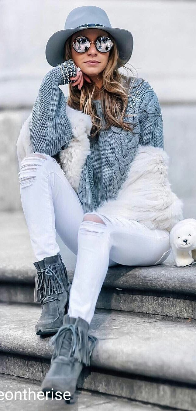 #winter #fashion /  Grey Hat / Grey Top / Destroyed Skinny Jeans / Grey Fringe Booties