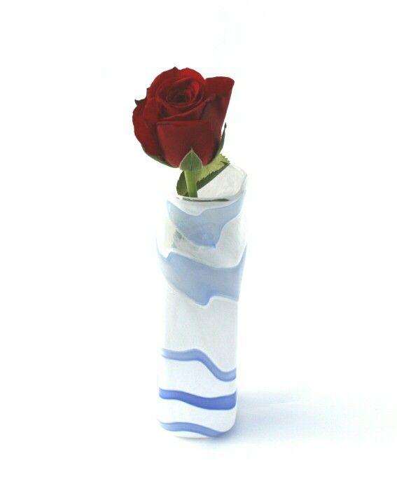 Smal vase https://www.epla.no/shops/smaalandkunstglass/