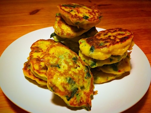 Zucchini, red pepper and goat cheese fritters