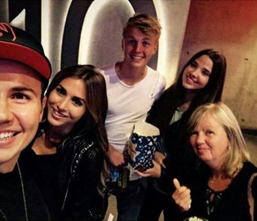 sunnyandwoody:  Mario Götze , Ann-Kathrin Brömmel , Mario's brother Felix, his girlfriend Maria & Mario's mom Astrid in the cinema today :-)