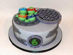 Be Sweet: reposteria creativa: Cake Tortugas Ninja http://resposteriacreativa.blogspot.fr/2014/06/cake-tortugas-ninja.html