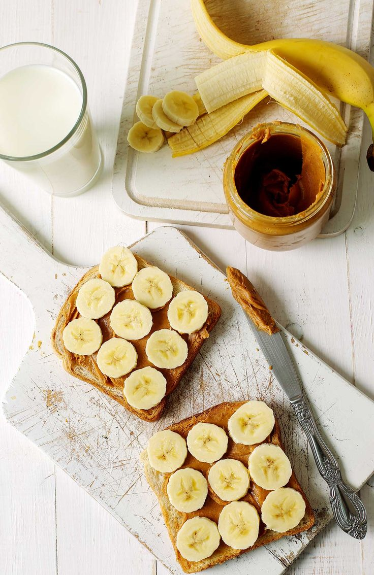 Workout Snacks: What to Eat Before, During & After Workouts #healthy #workout
