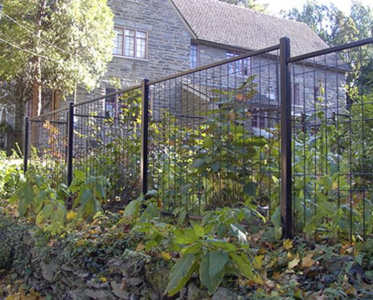 Choose from galvanized steel wire that is an excellent alternative to chain link fence or the beauty and protection of aluminum ornamental fencing that ...