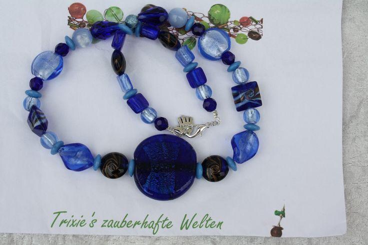 Ketten mittellang - Kette blau Perlen Schmuck hellblau  - ein Designerstück von trixies-zauberhafte-Welten bei DaWanda