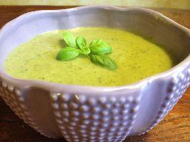 Lekker en supergezond: broccoli-courgettesoep! Lekker voor de lunch, helemaal voedselzandloper!