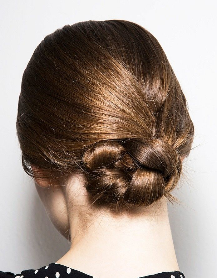 low knotted infinity bun