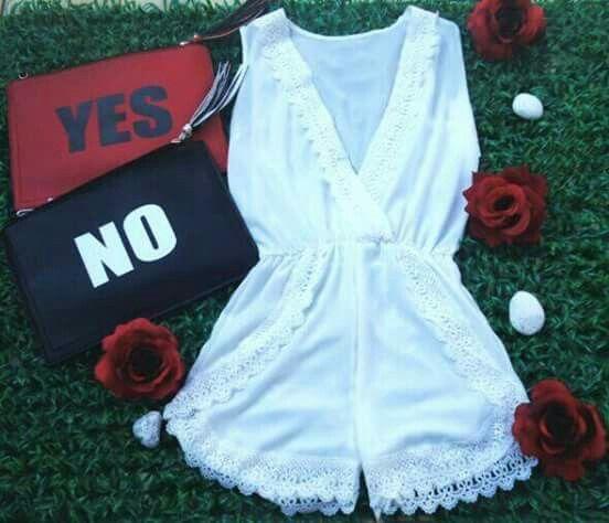 #Moda#fashion#style#donna#abbigliamento#girls#italia#dreams#boutique#social#giallo#sea#short#yesorno#beauty#favoloso#fabulous#tshirt#followme#tgb#onlyfashion#bags#gold#black#sun#Red#rose#white