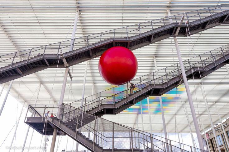RedBall Antwerp - HETPALEIS   Artist: Kurt Perschke   Photographer: Brit Worgan   #redballproject #zva2016 #zva #zomervanantwerpen #antwerpen #visitantwerpen #anvers #antwerp #streetart #publicart #newpublicart #nmbs #hetpaleis #hetpaleisantwerp #hetpaleisantwerpen