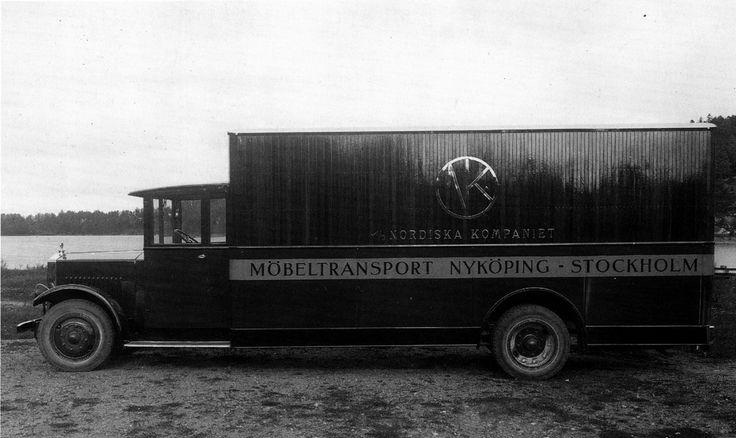 Nordiska Kompaniets transportbil togs i bruk 1928. Den var då Sveriges största bil.