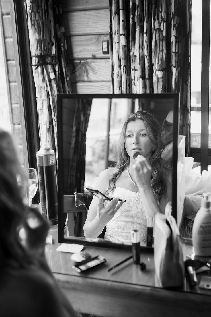 Bride getting ready by Tessa Burrows photography
