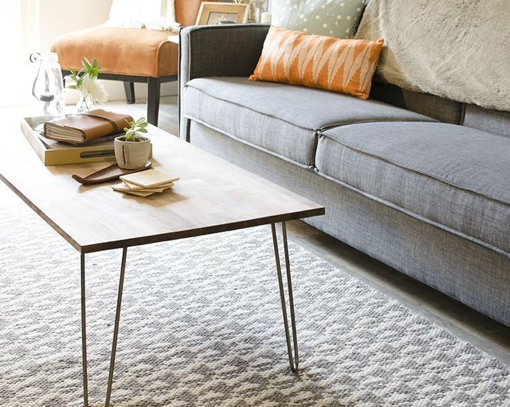 Love mid century modern? Can't commit to decorating your whole house that way? Make this easy DIY hairpin coffee table!