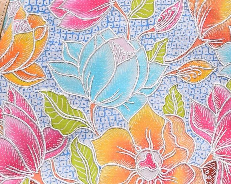 Batik detail, Close up of Bianca Bag (from Binar bag). Made from Hokontul Batik, embroidery outline decorated in every parts of flowers. The series of Batik pattern named Magnolian with Grinsing background.