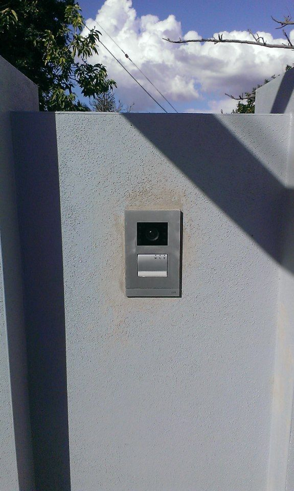 Gatehouse intercom - Welcome by ABB - Video to hands free color screen inside house.
