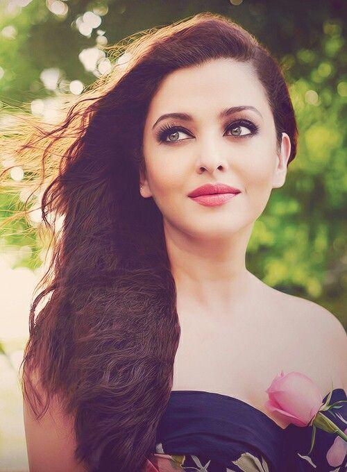 Bollywood actress Ashwariya rai, my favourite Bollywood actress