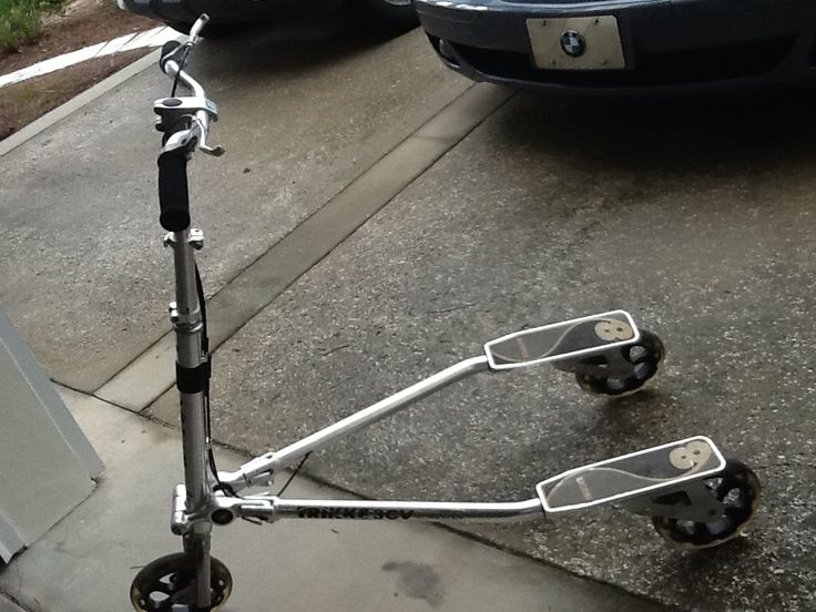 Two trek wheeled pedal scooters for in bergalerg s