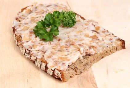 German Griebenschmalz: Bread spread you won't find in the USA. But you can make it at home. Original and Authentic German Recipes. Find traditional and classic recipes, cakes and cookies, desserts and soups, bread and German specialties. How to Make German Griebenschmalz