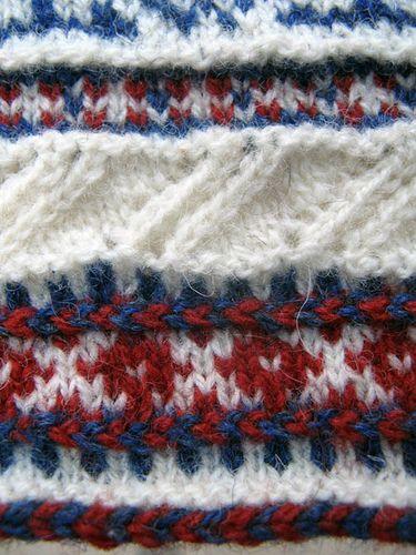 Ravelry: CarlaM's Estonian mittens