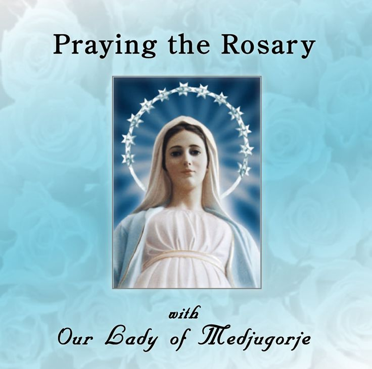 family praying the rosary - 736×731