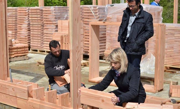 Catharhome, a company based in Toulouse, France, has created Brikawood: a system of interlocking wooden bricks that couldn't be easier to use.