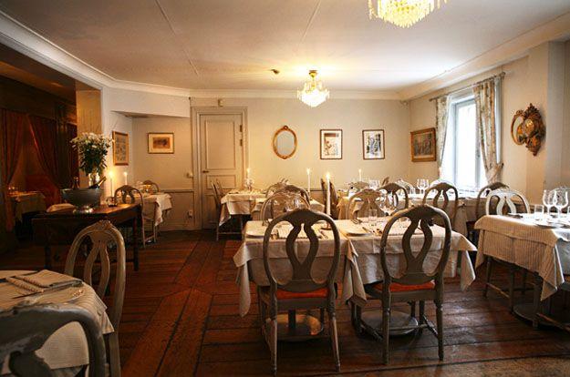 """La guida dei ristoranti svedese """"white guides"""" include Clas på Hörnet tra i migliori dodici ristoranti di Stoccolma."""