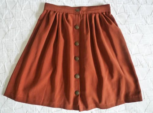 Skirt Refashion: How to make a button skirt