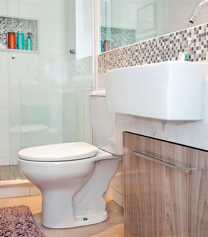 Boa idéia para se ter pastilha no banheiro, mas não gostei do piso