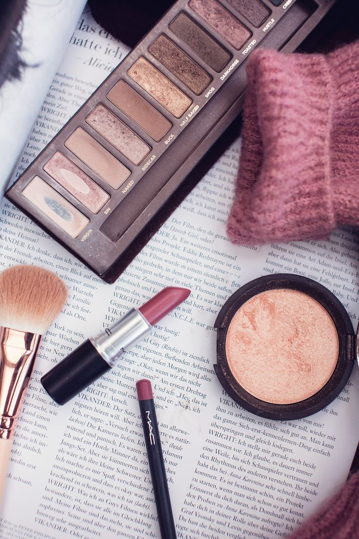 Spring Makeup // Mac Soar Mac Brave // Becca Champagne Pop // Urban Decay Naked Palette