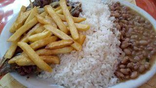 Um prato que tem muitos altos e alguns baixos, que não atrapalha a experiência como um todo, mas que faz diferença, pra um boteco, foi uma experiência bem agradável.  #Chuleta #almoço #comida #restaurante #bar #boteco #salada #alface #tomate #pepino #arroz #feijão #tempero #carne #acebolado #batata #frita #Bahias #GuiasLocais #LocalGuides #XinGourmet