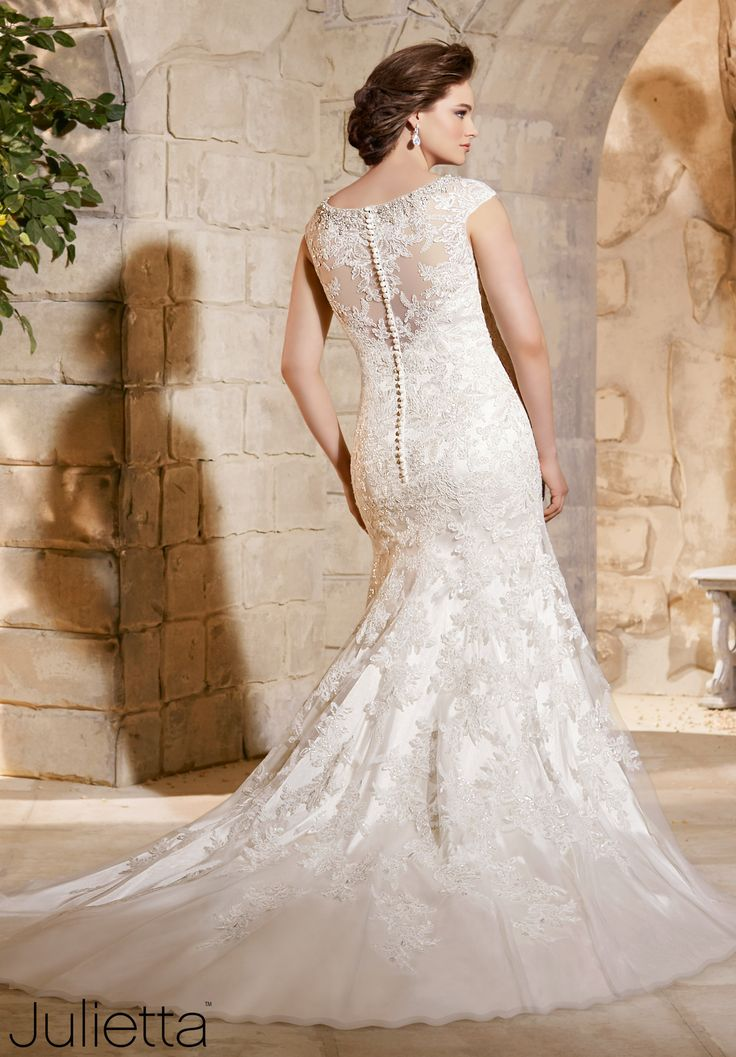 42 best trumpet lace wedding gown images on pinterest | marriage