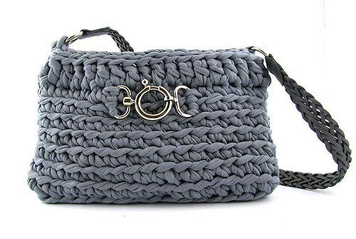 Best crochet bags on the web! check them out at luzpatterns.com/ ❥Teresa Restegui http://www.pinterest.com/teretegui/❥