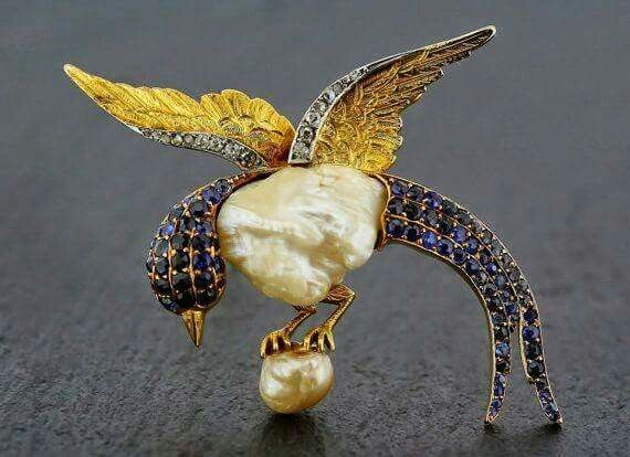A little bird to get you through hump day Wednesday!  Art Nouveau bird brooch set with sapphires in yellow gold and a baroque pearl... via tumblr