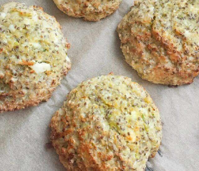 Palets de chou fleur au fromage avec thermomix. Je vous propose une recette des Palets de chou fleur au fromage, facile et simple a réaliser au thermomix.