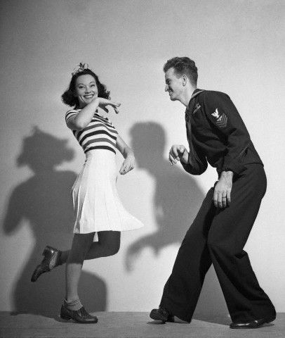 1940's couple dancing. This era has always fascinated me - maybe I was born in the wrong decade. J6