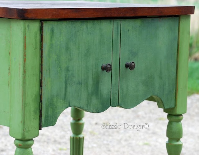 green buffetKitchens Colors, Shizzle Design, Sewing Tables, Painted Furniture, Painting Furniture, Picket Fence, Colors Mixed, Cece Caldwell, Furniture Projects