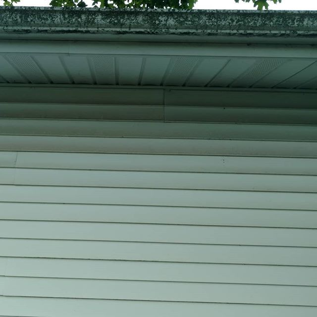 Got Some Rough Looking Gutters Housewashingdelaware Delawarerealestate Curbsidedetail Washon Callme House Wash Gutters Sides