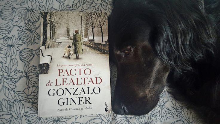 Llegué a este libro buscando una lectura que indagara en el sentimiento de un humano por su perro. Lo que no esperaba era encontrarme con una novela intrigante, de esas que te enganchan y te hacen …
