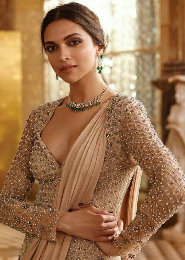 Deepika Padukone in Monisha Jaising and Tanishq Jewellery