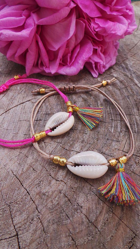 Cowrie shell bracelet. Shell bracelet. Boho tassel bracelet.Summer bracelet. Festival jewellery. Stacking bracelet. Macrame bracelet – Zu