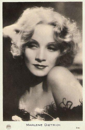 Marlene Dietrich | French postcard by Europe, no. 2060. Photo: Paramount. Publicity still for Shanghai Express (Josef von Sternberg, 1932)