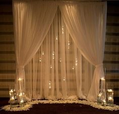 <p>Pipe and drape is the easiest way to set-up a backdrop. Can be used in a number of ways:</p> <p>-Backdrop for a head table at a wedding<br />-DIY photo booth<br />-Decorate a booth at a trade show<br />-Photo backdrop</p> <p>Price includ