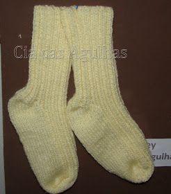 Olá amigos, fiz um par de meias para o pappy, fiz com duas agulhas, algumas amigas pediram a receita e aqui vai:  Meia 2 agulhas para o Pa...
