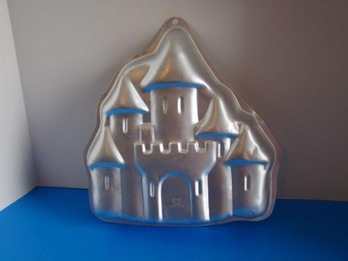 Enchanted-Castle-Cake-Pan-Wilton-1998-2105-2031