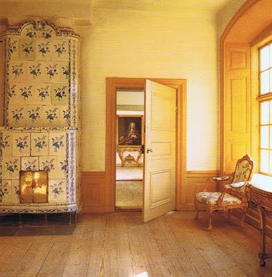 butter yellow roomHouse Design, Antiques Tile, Swedish Interiors, Butter Yellow, Swedish Stoves, Yellow Room, Swedish Architecture, Swedish Things, Gustavian Style
