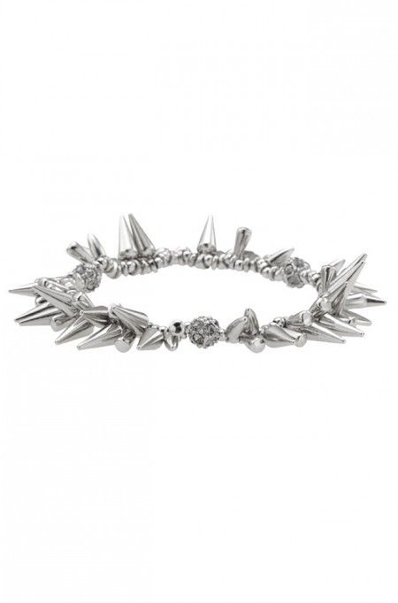 The Stella & Dot Renegade Cluster Bracelet would definitely be part of Peyton List's arm party for Coachella. http://tvgd.co/1P0kZMF