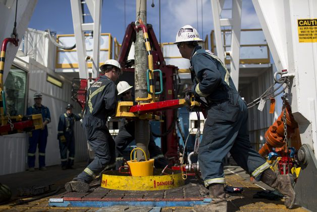 U.S. Oil Rigs Drop Most in Two Years, Baker Hughes Says.(December 13th 2014)
