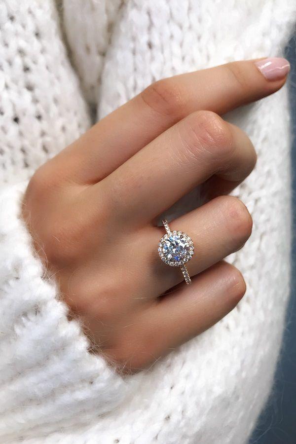 Diamante redondo tallado con halo de diamantes en oro rosa de David Alan. #engag …   – Engagement Rings Favorites!