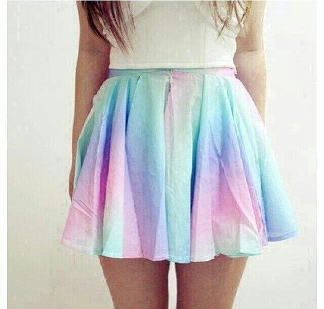 Rainbow skirt. cute summer guest look