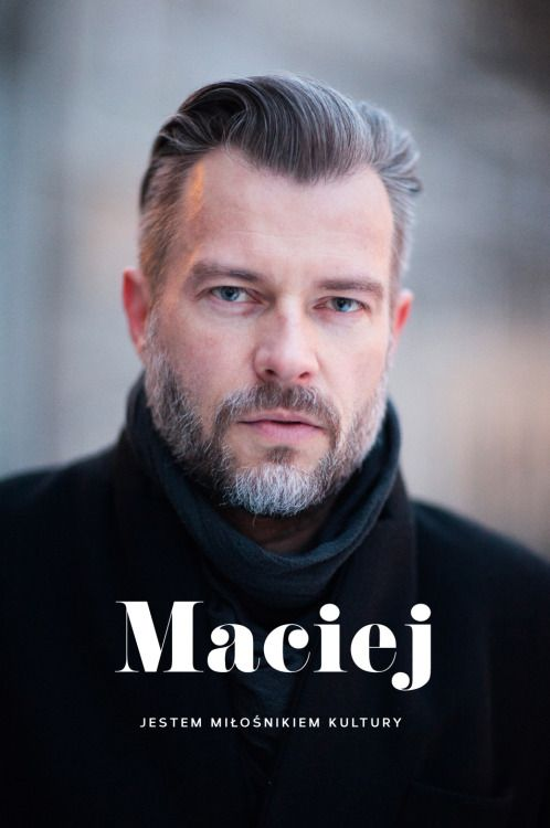Maciej Zieliński od lat związany z mediami, marketingiem i promocją kultury. Od kwietnia szef promocji Narodowego Starego Teatru w Krakowie. oprawa graficzna: MAGDA PILACZYŃSKA http://magdapilka.com photo: SZYMON BRZÓSKAhttp://stylestalker.net