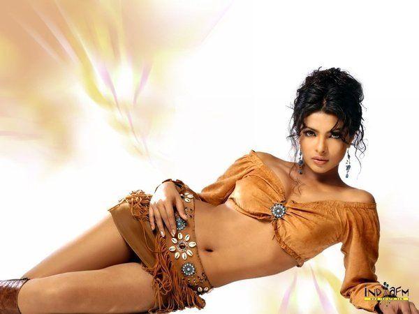 Акшай Кумар~♥~♥~ Шахрукх Кхан-Короли Болливуда~♥~♥~и их Королевы Мадхури Диксит~♥~♥~Приянка Чопра~♥~